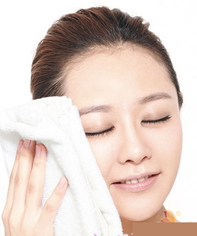 Các phương pháp làm se khít lỗ chân lông tại nhà đơn giản và dễ làm